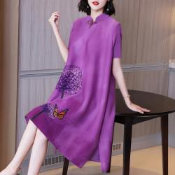 糖潮-優雅貴氣紫羅蘭盤扣立領印花壓摺洋裝-F